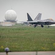 americanii au trimis avioane f22 in romania rusii trec la amenintari
