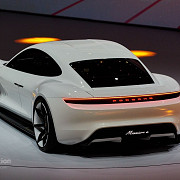 foto+video porsche se inscrie in cursa masinilor electrice mission e va rivaliza cu tesla