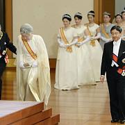 imparatul japoniei akihito lasa sa se inteleaga ca e pregatit sa abdice constitutia prevede doar succesiunea postuma
