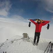 record european la alpinism pentru romania erik gulacsi la 12 ani este cel mai tanar sportiv care a urcat pe elbrus