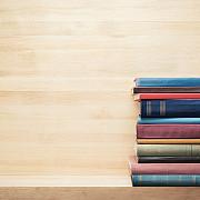ministerul educatiei achizitioneaza peste 3600000 de manuale pentru elevii claselor a xi-a si a xii-a