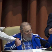 el lider maximo a implinit 90 de ani fidel castro a aparut in public din nou