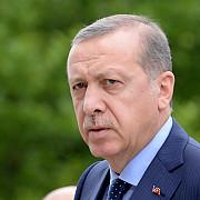 noi demiteri turcia peste 2000 de ofiteri de politie si sute de membri ai fortelor armate