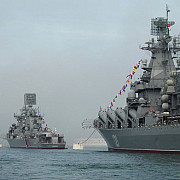 rusii si-au scos flota de la marea neagra la antrenament exercitii ample si in marea caspica