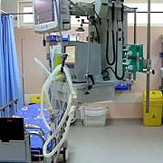 protestul continua la floreasca 22 de medici au demisionat alti 9 urmand sa-si depuna demisiile