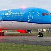 pilotul unui avion cu 128 de oameni la bord a facut infarct