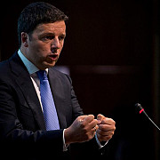 premierul matteo renzi si-a depus demisia la biroul presedintelui italian sergio mattarella