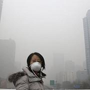 cod rosu de poluare la beijing uzinele isi restrang activitatea