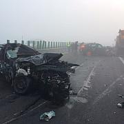 trei raniti intr-un accident pe autostrada soarelui in care au fost implicate trei autovehicule circulatia este blocata