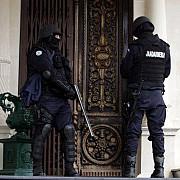 timis doi sefi din politie si liderul tiganilor din lugoj au fost retinuti