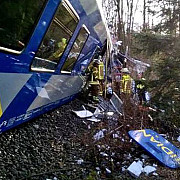 accident feroviar grav in germania doua trenuri s-au ciocnit frontal