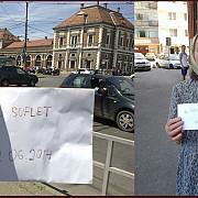 campanie umanitara un clujean lasa plicuri cu bani prin oras si da indiciile pe facebook