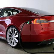 tesla si chevrolet vor vinde masini electrice cu autonomie de 400 km