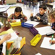 copiii din familii defavorizate aflati in gradinite ar putea primi tichete sociale si dupa implinirea a 6 ani