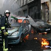 francezii au incendiat peste 800 de masini de revelion