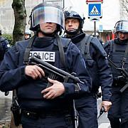 atacatorul impuscat azi la paris avea o vesta cu explozibili falsa
