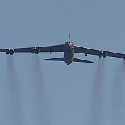 un b-52 a survolat coreea de sud in replica la testul nuclear al nordului