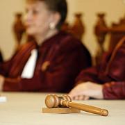 ccr primarii condamnati la inchisoare cu suspendare isi pierd mandatul