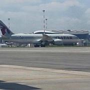 un avion a aterizat de urgenta cu un singur motor in functiune pe aeroportul otopeni
