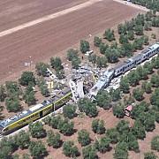 accident de tren in italia cel putin 12 persoane au murit iar alte zeci au fost ranite
