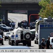 armenia luarea de ostatici dintr-o sectie de politie din erevan a intrat in a treia zi