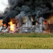 fabrica de incaltaminte din jilava a luat foc 20 de autospeciale se afla la fata locului