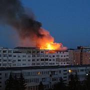 incendiu la un bloc din bacau zeci de familii au fost evacuate