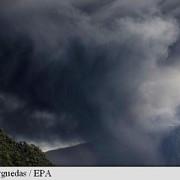 filipine vulcanul bulusan a intrat in eruptie