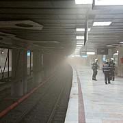 fum la metrou intre statiile piata victoriei si aviatorilor din capitala circulatia fiind blocata