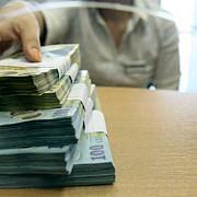 firmele vor putea retrage mai multi bani din banca trebuie sa respecte o conditie