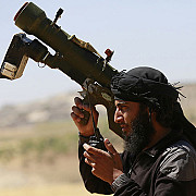 arme trimise de cia pentru rebelii sirieni au fost vandute de agenti iordanieni pe piata neagra
