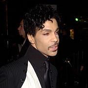 in subsolul casei lui prince exista muzica suficienta pentru a lansa un nou album in fiecare an timp de o suta de ani
