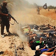 cel putin 50 de gropi comune au fost descoperite in irak