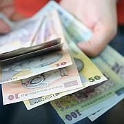 salariul mediu net a ajuns la 2051 lei