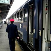 furtuna a dat peste cap traficul feroviar in gara de nord trenurile au peste 2 ore intarziere