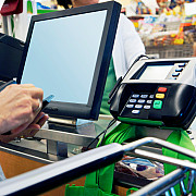 comerciantii cu cifra de afaceri de cel putin 10000 de euroan vor fi obligati sa accepte plata cu cardul