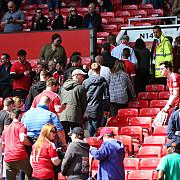 alerta meciul manchester united bournemouth a fost anulat si 20000 de fani au fost evacuati