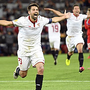 liverpool depasita total in finala europa league sevilla castiga trofeul pentru a treia oara consecutiv