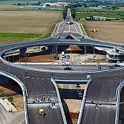 afla detalii despre deschiderea pentru trafic a primului giratoriu suspendat din romania video