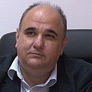 vicepresedintele cj prahova radu ionescu adus cu mandat la dna