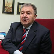 omul de afaceri ilie carabulea si fiul sau prezentati cu propunere de arestare