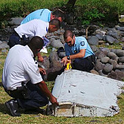 un fragment descoperit in mozambic ar putea proveni de la avionul mh370