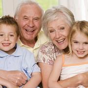 romania batranii de peste 65 de ani sunt mai multi decat tinerii pana in 14 ani