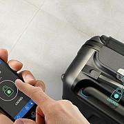 gadget-ul anului 2016 geanta inteligenta controlata prin telefon de la distanta