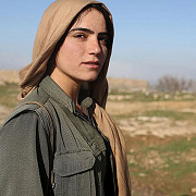 galerie foto amazoanele desertului femeile kurde care au bagat frica in teroristii isis