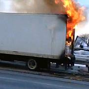 un camion incarcat cu carbune a luat foc in vama siret