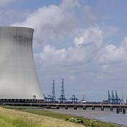 un agent de securitate de la o centrala nucleara belgiana a fost impuscat iar cardul de acces i-a fost furat