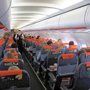 psihoza atentatelor cuprinde europa un avion a fost oprit de la decolare si toti pasagerii evacuati