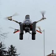 cel mai mare producator de drone lucreaza cu it-isti romani