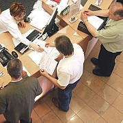 functionarii publici ameninta cu boicotarea alegerilor